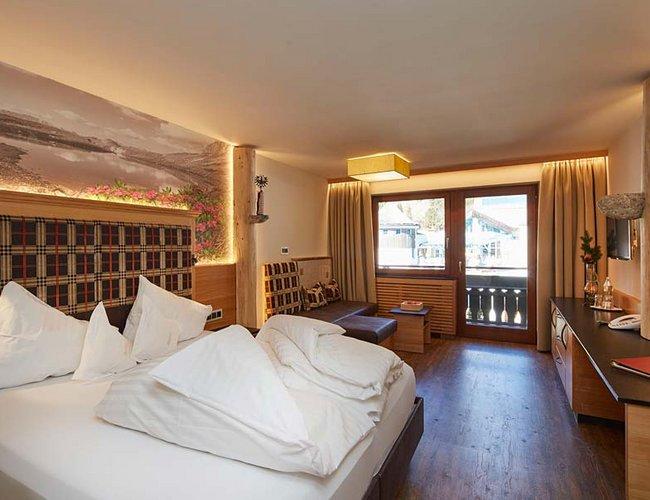 Mehrbettzimmer Alpenrose Hotel Alpenrose Lechtal